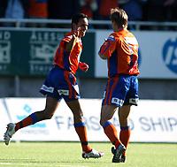 Fotball <br /> adecco 1 divisjon<br /> Aalesund v Hødd 3-0<br /> color line stadion<br /> 16.05.2006 <br /> Foto: Richard Brevik, Digitalsport<br /> <br /> lasse olsen - aalesund<br /> peter werni -aalesund<br /> <br /> scoring peter werni