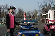 Wenn der zehnjährige Konrad und seine Schwester Caroline aus Schleswig-Holstein bei Oma und Opa in<br /> Rahlstedt zu Besuch sind, muss ein Besuch auf dem Kinder-Verkehrsübungsplatz JUMICAR immer sein.<br /> Das macht Spaß – und ist eine gute Schulung für den verkehrsreichen Alltag im Heestweg.
