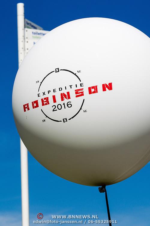 NLD/Muiden/20160825 - Perspresentatie deelnemers Expeditie Robinson 2016,