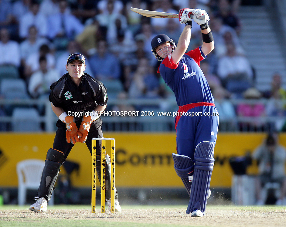 England's Ian Bell during the one day international cricket match between New Zealand and England at the WACA ground in Perth on Tuesday 30 January, 2007. New Zealand won by 58 runs. Photo: Andrew Cornaga/PHOTOSPORT<br />