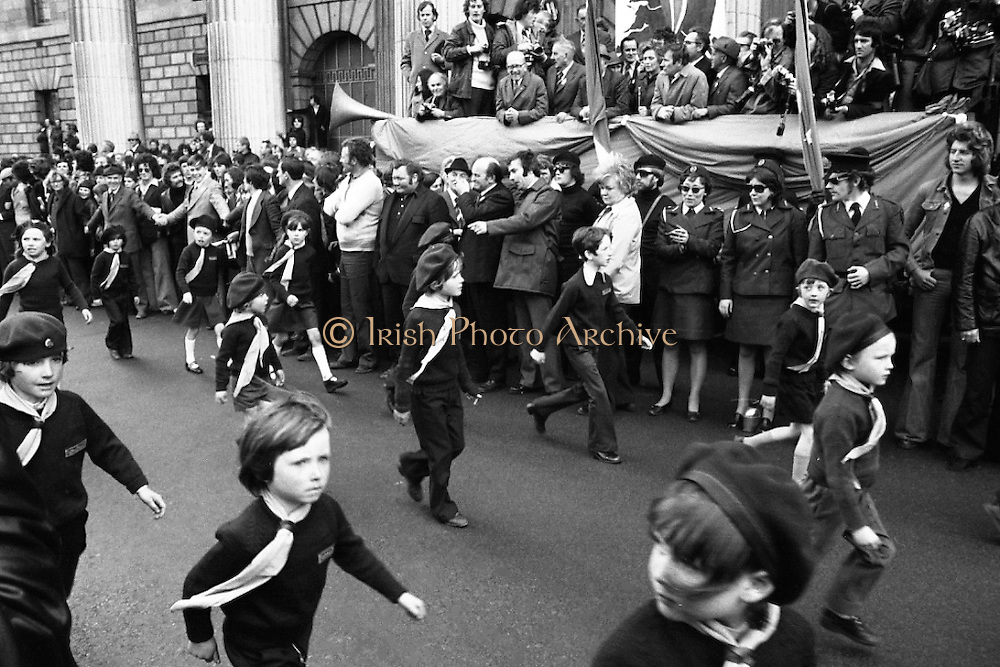 Sinn Fein (Provo) Dublin Parade.   K22..1976..25.04.1976..04.25.1976..25th April 1976..Sinn Fein held an Easter Rising Commemorative  parade..The parade started at St Stephens Green, Dublin and proceeded through the streets to the G.P.O.in O'Connell Street, the scene of the centre of the 1916 uprising.