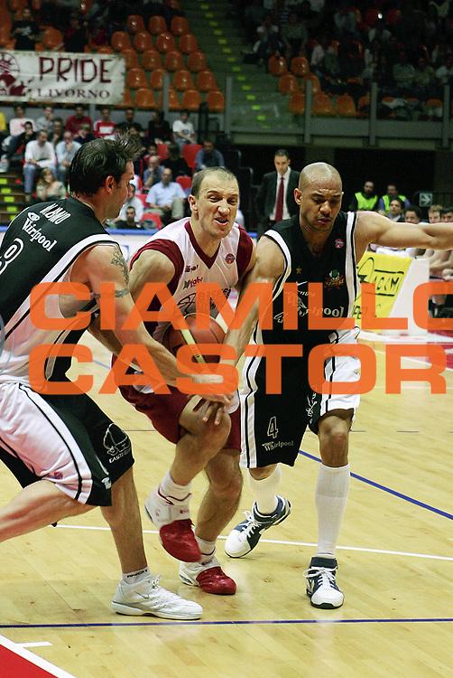 DESCRIZIONE : Livorno Lega A1 2005-06 Basket Livorno Whirpool Pallacanestro Varese<br /> GIOCATORE : Abbio<br /> SQUADRA : Basket Livorno<br /> EVENTO : Campionato Lega A1 2005-2006<br /> GARA : Basket Livorno Whirpool Pallacanestro Varese<br /> DATA : 04/05/2006<br /> CATEGORIA : Penetrazione<br /> SPORT : Pallacanestro<br /> AUTORE : Agenzia Ciamillo-Castoria/Stefano D'Errico