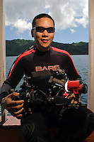 Eric Cheng with a Nauticam 7D, INON insect eye lens (INON Underwater Micro Semi-Fisheye Relay Lens UFL-MR130 EFS60), with INON S-2000 strobes and Fisheye FIX lights (photo: Aey Polpich Komson)