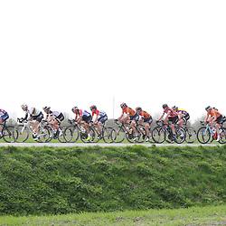 05-04-2017: Wielrennen: Healthy Ageing Tour: Grijpskerk<br />GRIJPSKERK (NED) wielrennen <br />Kopgroep in de eerste echte etappe van HAT ontstond al vroegin de wedstrijd