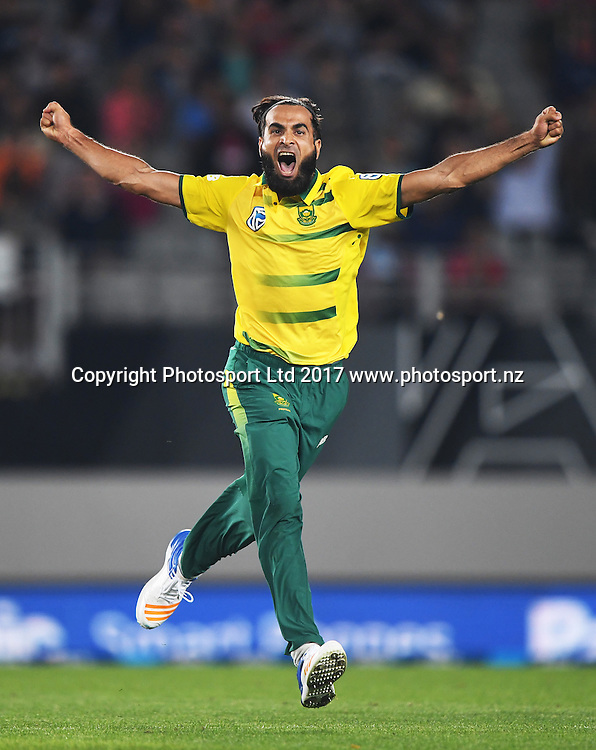 South African bowler Imran Tahir celebrates the wicket of de Grandhomme. International Twenty20 Cricket. New Zealand Black Caps v South Africa, Eden Park, Auckland, New Zealand. Friday 17 February 2017 © Copyright photo: Andrew Cornaga / www.photosport.nz
