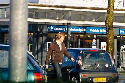 NLD/Amsterdam/20081217 - Patty Brard helpt haar ouders verhuizen naar Amsterdam, partner Antoinne van der Vijver
