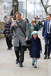 © Licensed to London News Pictures. 23/01/2020. London, UK. NAZANIN ZAGHARI-RATCLIFFE'S husband RICHARD, with his mother, BARBARA and daughter GABRIELLA arrive in Downing Street for a meeting with Prime Minister, BORIS JOHNSON to discuss about the release of NAZANIN. NAZANIN ZAGHARI-RATCLIFFE, a dual-national British-Iranian, has been in detention in Tehran since her arrest on 3 April 2016. She is accused of spying – a charge she denies. Photo credit: Dinendra Haria/LNP