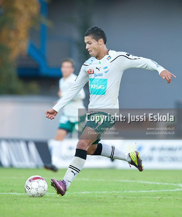 Henrik Helmke. Honka - IFK Mariehamn. Veikkausliiga. Espoo 28.8.2011. Photo: Jussi Eskola