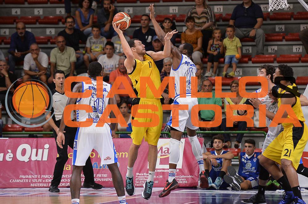 DESCRIZIONE : Torneo Citt&agrave; di Sassari &quot;Mim&igrave; Anselmi&quot; Dinamo Banco di Sardegna Sassari - AEK Atene<br /> GIOCATORE : Loukas Mavrokefalidis<br /> CATEGORIA : Tiro Controcampo Difesa<br /> SQUADRA : AEK Atene<br /> EVENTO :  Torneo Citt&agrave; di Sassari &quot;Mim&igrave; Anselmi&quot; <br /> GARA : Dinamo Banco di Sardegna Sassari - AEK Atene Torneo Citt&agrave; di Sassari &quot;Mim&igrave; Anselmi&quot;<br /> DATA : 12/09/2015<br /> SPORT : Pallacanestro <br /> AUTORE : Agenzia Ciamillo-Castoria/L.Canu