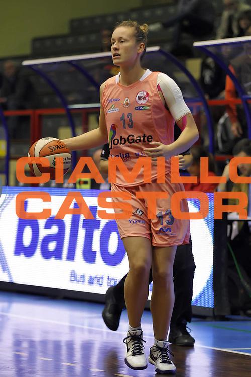 DESCRIZIONE : Cinisello Balsamo Lega A1 Femminile 2010-11 Opening day Job Gate Napoli Lavezzini Parma<br /> GIOCATORE : Evelien Callens<br /> SQUADRA : Job Gate Napoli<br /> EVENTO : Campionato Lega A1 Femminile 2010-2011<br /> GARA : Job Gate Napoli Lavezzini Parma<br /> DATA : 23/10/2010<br /> CATEGORIA :<br /> SPORT : Pallacanestro<br /> AUTORE : Agenzia Ciamillo-Castoria/ElioCastoria<br /> Galleria : Lega Basket Femminile 2010-2011<br /> Fotonotizia : Cinisello Balsamo Lega A1 Femminile 2010-11 Opening day Job Gate Napoli Lavezzini Parma<br /> Predefinita :