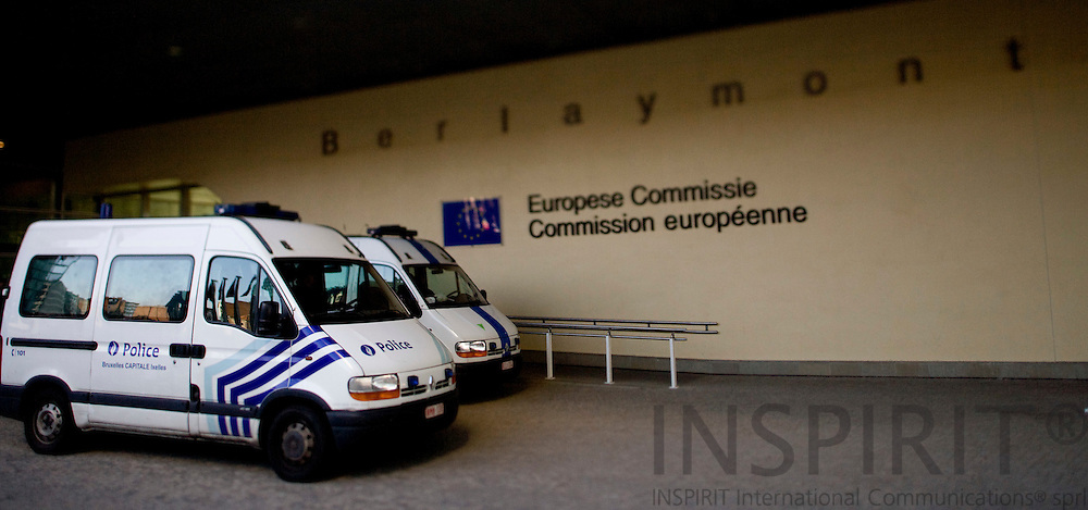 BRUSSELS - BELGIUM - 16 SEPTEMBER 2008 -- Belgium police on standby at the European Commission during a demonstration.   Photo Erik LUNTANG / EUP-Images