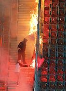 LUBIN 27/04/2010.EKSTRAKLASA.SEZON 2009/2010.MECZ ZAGLEBIE LUBIN v SLASK WROCLAW.NA ZDJ. KIBICE ZAGLEBIE PODPALAJA FLAGE SLASKA ..FOT. PIOTR HAWALEJ / WROFOTO