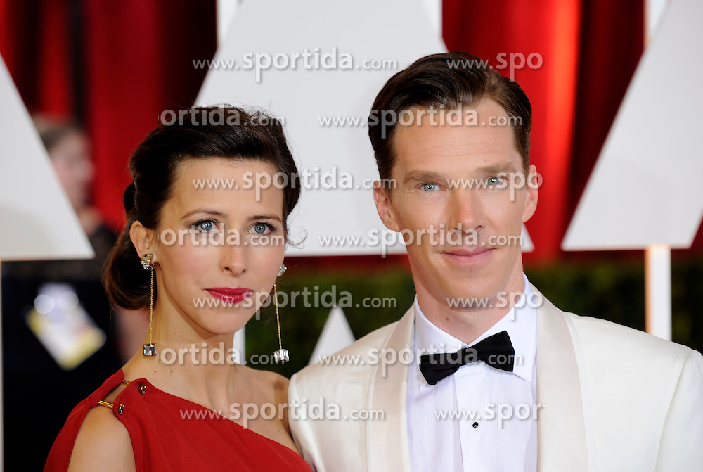 Benedict Cumberbatch (R), best actor nominee for his role in &quot;The Imitation Game&quot;, arrives with his wife for the red carpet of the 87th Academy Awards at the Dolby Theater in Los Angeles, the United States, on Feb. 22, 2015. EXPA Pictures &copy; 2015, PhotoCredit: EXPA/ Photoshot/ Yang Lei<br /> <br /> *****ATTENTION - for AUT, SLO, CRO, SRB, BIH, MAZ only*****