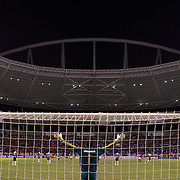 Fluminense goalkeeper Alberto Martín Da Silva looks to the heavens in prayer before the start of the Flamengo V Fluminense, Futebol Brasileirao  League match at Estadio Olímpico Joao Havelange, Rio de Janeiro, The classic Rio derby match ended in a 3-3 draw. Rio de Janeiro,  Brazil. 19th September 2010. Photo Tim Clayton.