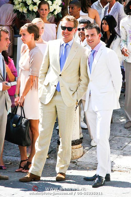 ITA/Siena/20100717 Wedding of soccerplayer Wesley Sneijder and tv host Yolanthe Cabau van Kasbergen, Mark Eeuwen en Levi van Kempen