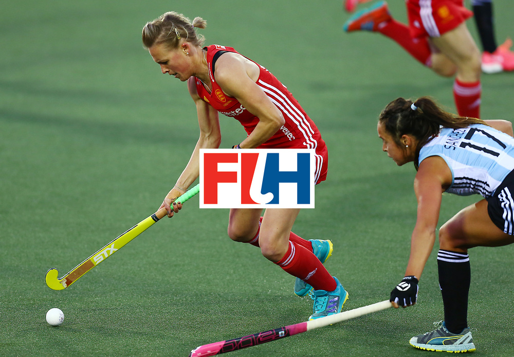 New Zealand, Auckland - 19/11/17  <br /> Sentinel Homes Women&rsquo;s Hockey World League Final<br /> Harbour Hockey Stadium<br /> Copyrigth: Worldsportpics, Rodrigo Jaramillo<br /> Match ID: 10298 - ARG vs ENG<br /> Photo: (15) DANSON Alex (C) against (17) SANCHEZ MOCCIA Rocio