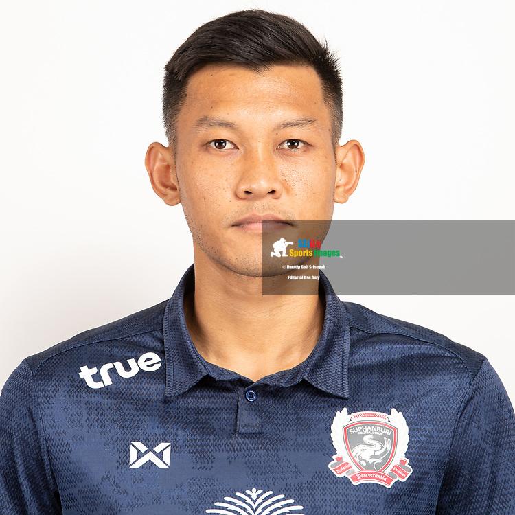 THAILAND - JUNE 07: Chananan Pombubpha #10 of Suphan Buri FC on June 07, 2019.<br /> .<br /> .<br /> .<br /> (Photo by: Naratip Golf Srisupab/SEALs Sports Images/MB Media Solutions)
