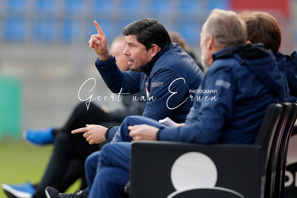 *Coach Erwin van de Looi* of Willem II