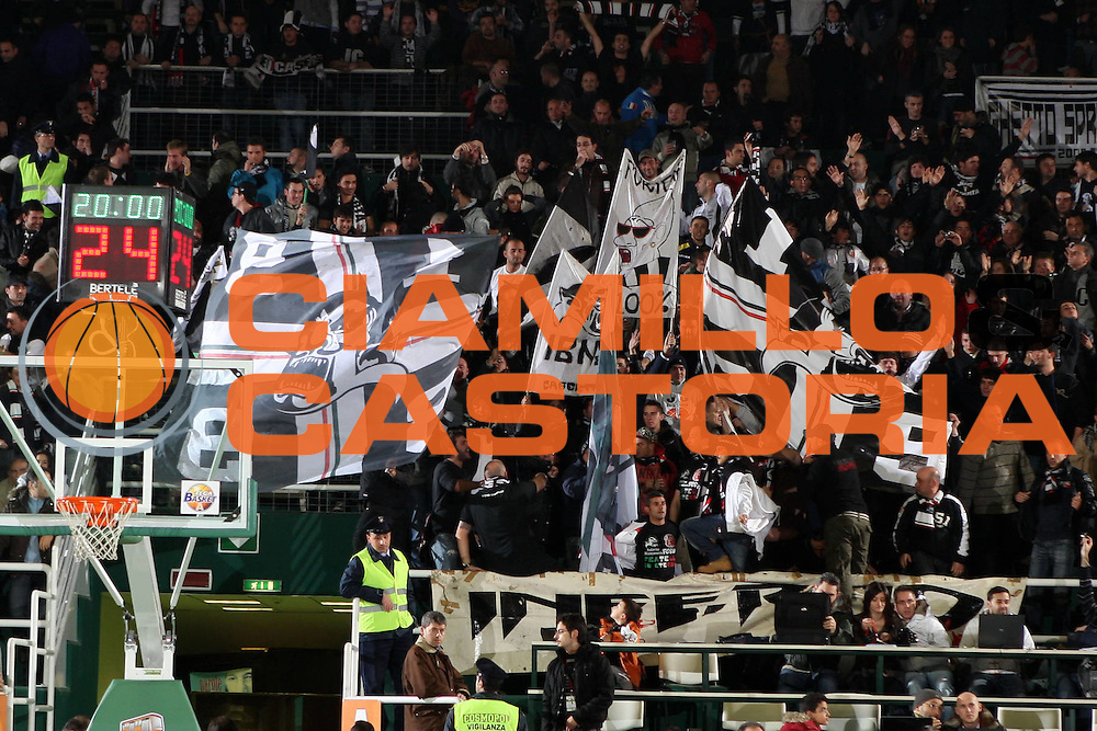DESCRIZIONE : Avellino Lega A 2009-10 Air Avellino Pepsi Juve Caserta<br /> GIOCATORE : Tifo Fan Supporter<br /> SQUADRA :  Pepsi Juve Caserta<br /> EVENTO : Campionato Lega A 2009-2010<br /> GARA : Air Avellino Pepsi Juve Caserta<br /> DATA : 19/12/2009<br /> CATEGORIA : <br /> SPORT : Pallacanestro<br /> AUTORE : Agenzia Ciamillo-Castoria/E.Castoria<br /> Galleria : Lega Basket A 2009-2010 <br /> Fotonotizia : Avellino Campionato Italiano Lega A 2009-2010 Air Avellino Pepsi Juve Caserta<br /> Predefinita :