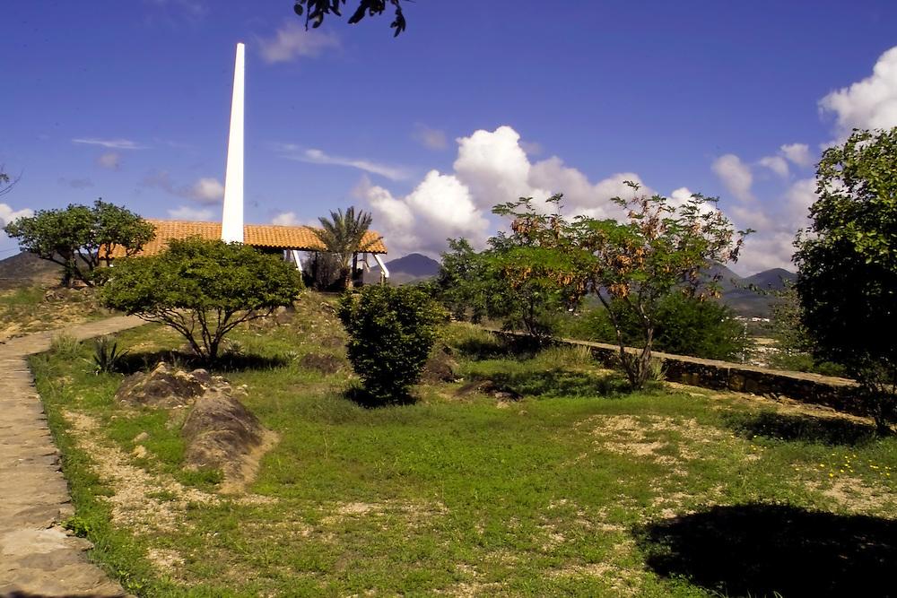 BAHIA DE JUAN GRIEGO<br /> Photography by Aaron Sosa<br /> Margarita, Nueva Esparta State<br /> Margarita, Estado Nueva Esparta<br /> Venezuela 2005<br /> (Copyright &copy; Aaron Sosa)