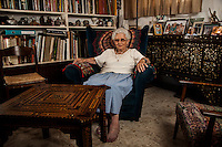 רות דיין בביתה ב תל אביב