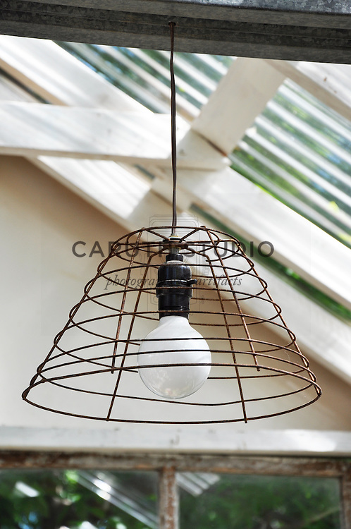 Vintage garden: Light fixture made from vintage wire basket