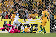 SYDNEY, NSW- NOVEMBER 15: Honduras Alberth Elis (17) scores at the Soccer World Cup Qualifier between Australia and Honduras on November 10, 2017. (Photo by Steven Markham/Icon Sportswire)