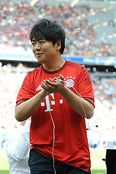 11.07.2015, Allianz Arena, M&uuml;nchen, GER, 1. FBL, FC Bayern Muenchen, Teampr&auml;sentation, im Bild Der chinesische Pianist Lang Lang bei der Allianz FC Bayern Team Presentation in der Allianz-Arena Muenchen, 11.07.2015, Foto: Stuetzle/ Eibner-Pressefoto // during the Teampresentation at the Allianz Arena in M&uuml;nchen, Germany on 2015/07/11. EXPA Pictures &copy; 2015, PhotoCredit: EXPA/ Eibner-Pressefoto/ Stuetzle<br /> <br /> *****ATTENTION - OUT of GER*****