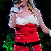 NLD/Amsterdam/20100415 - Uitreiking 3FM Awards 2010, Miss Montreal, Sanne Hans in kerstmannen pak
