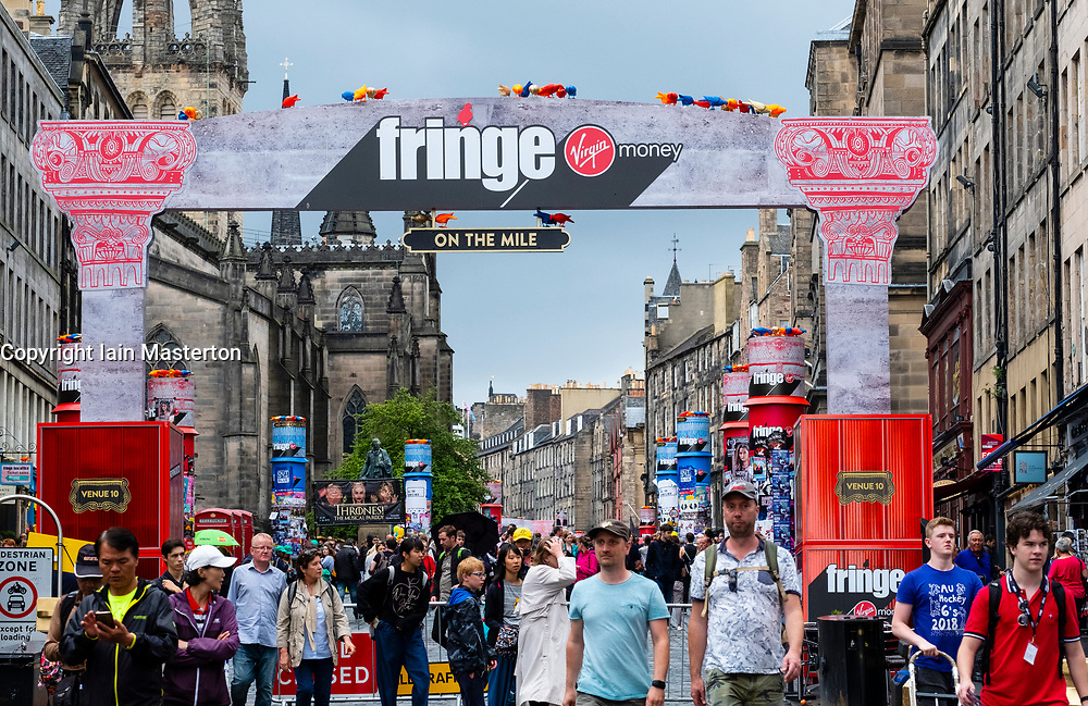 Edinburgh, Scotland, UK; 2 August, 2018. On day before official opening of the Edinburgh Festival Fringe 2018, crowds are increasing, drawn by actors performing on the Royal Mile at the official Virgin Money Fringe Street