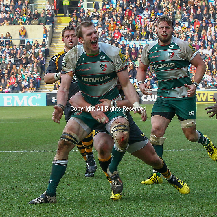 12.03.2016. Ricoh Arena, Coventry, England. Aviva Premiership. Wasps versus Leicester Tigers. Tigers Tom Croft drops a basketball pass from Owen Williams with the try-line at his mercy