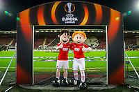 ALKMAAR - 26-11-15, Europa League, AZ  - FK Partizan, AFAS Stadion, mascotte Herry en Berry.