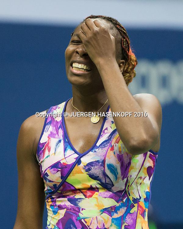 VENUS WILLIAMS (USA)  reagiert veraergert,<br /> Frust,Emotion,<br /> <br /> <br /> Tennis - US Open 2016 - Grand Slam ITF / ATP / WTA -  USTA Billie Jean King National Tennis Center - New York - New York - USA  - 1 September 2016.