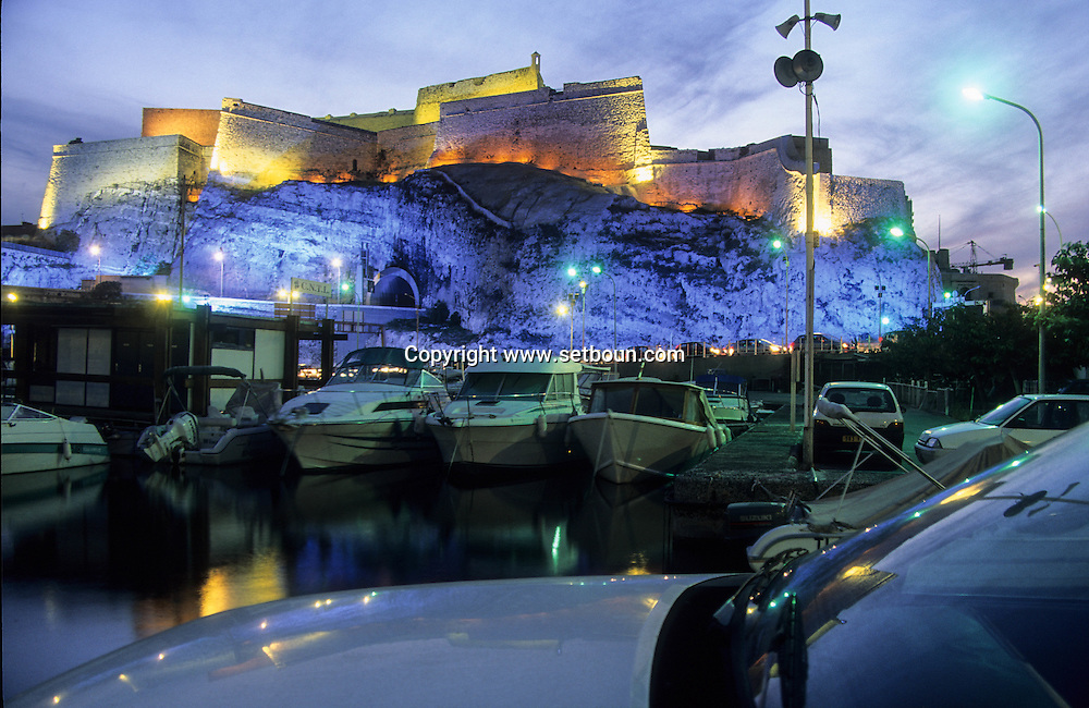 France. Marseille. the old port . lighting on Entrecasteaux fort ( Vauban)  Marseille  France  / le vieux port. illumination sur le fort d'entrecasteaux (Vauban)  Marseille  France  /     L0008222  /  R20711  /  P115636