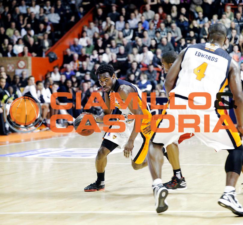 DESCRIZIONE : Championnat de France Pro A  a Gravelines Match de carnaval<br /> GIOCATORE : Bokolo Yannick<br /> SQUADRA : Gravelines<br /> EVENTO : Pro A <br /> GARA : Gravelines Cholet<br /> DATA : 25/02/2012<br /> CATEGORIA : Basketball France Homme<br /> SPORT : Basketball<br /> AUTORE : JF Molliere<br /> Galleria : France Basket 2011-2012 Action<br /> Fotonotizia : Championnat de France Basket Pro A Match de Carnaval<br /> Predefinita :