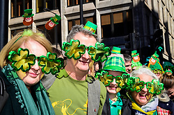 © Licensed to London News Pictures. 17/03/2019. LONDON, UK. People watch the annual St. Patrick's Day parade and festival in the capital.  Photo credit: Stephen Chung/LNP