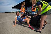 Bij het Nationaal Militair Museum in Soesterberg presenteert het team de VeloX 9. In september wil het Human Power Team Delft en Amsterdam, dat bestaat uit studenten van de TU Delft en de VU Amsterdam, tijdens de World Human Powered Speed Challenge in Nevada een poging doen het wereldrecord snelfietsen voor vrouwen te verbreken met de VeloX 9, een gestroomlijnde ligfiets. Het record is met 121,81 km/h sinds 2010 in handen van de Francaise Barbara Buatois. De Canadees Todd Reichert is de snelste man met 144,17 km/h sinds 2016.<br /> <br /> With the VeloX 9, a special recumbent bike, the Human Power Team Delft and Amsterdam, consisting of students of the TU Delft and the VU Amsterdam, also wants to set a new woman's world record cycling in September at the World Human Powered Speed Challenge in Nevada. The current speed record is 121,81 km/h, set in 2010 by Barbara Buatois. The fastest man is Todd Reichert with 144,17 km/h.