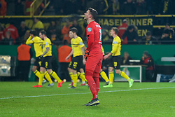 05.02.2019, Signal Iduna Park, Dortmund, GER, DFB Pokal, Borussia Dortmund vs SV Werder Bremen, Achtelfinale, im Bild Jiri Pavlenka (SV Werder Bremen #1) konsterniert nach dem 2:1 durch Christian Pulisic (BVB Borussia Dortmund / Ballspielverein Borussia 09 e.V. Dortmund #22), im Hinterrund jubelnde Dortmunder // during the German Pokal round of 16 match between Borussia Dortmund and SV Werder Bremen at the Signal Iduna Park in Dortmund, Germany on 2019/02/05. EXPA Pictures © 2019, PhotoCredit: EXPA/ Andreas Gumz<br /> <br /> *****ATTENTION - OUT of GER*****