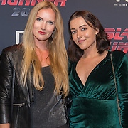 NLD/Hilversum/20171004 - Premiere Blade Runner 2049, Masha Feoktistova en Marije van der Made