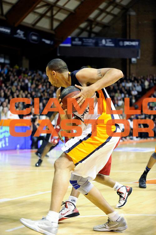 DESCRIZIONE : Championnat de France Pro A  a Gravelines Match de carnaval<br /> GIOCATORE : Akpomedah Cyril<br /> SQUADRA : Gravelines<br /> EVENTO : Pro A <br /> GARA : Gravelines Cholet<br /> DATA : 25/02/2012<br /> CATEGORIA : Basketball France Homme<br /> SPORT : Basketball<br /> AUTORE : JF Molliere<br /> Galleria : France Basket 2011-2012 Action<br /> Fotonotizia : Championnat de France Basket Pro A Match de Carnaval<br /> Predefinita :