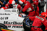 Sam Hornish Jr. pits at the Michigan International Speedway, Firestone Indy 400, July 31, 2005