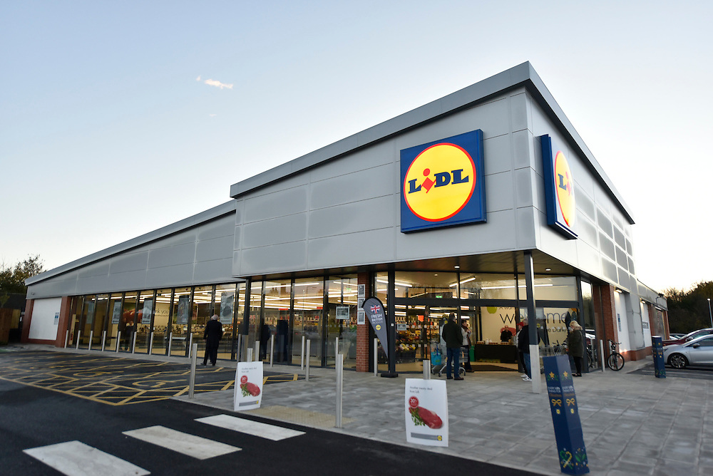 The new Lidl store in Thorne near Doncaster, Yorks., November 17 2016. CPG Photography