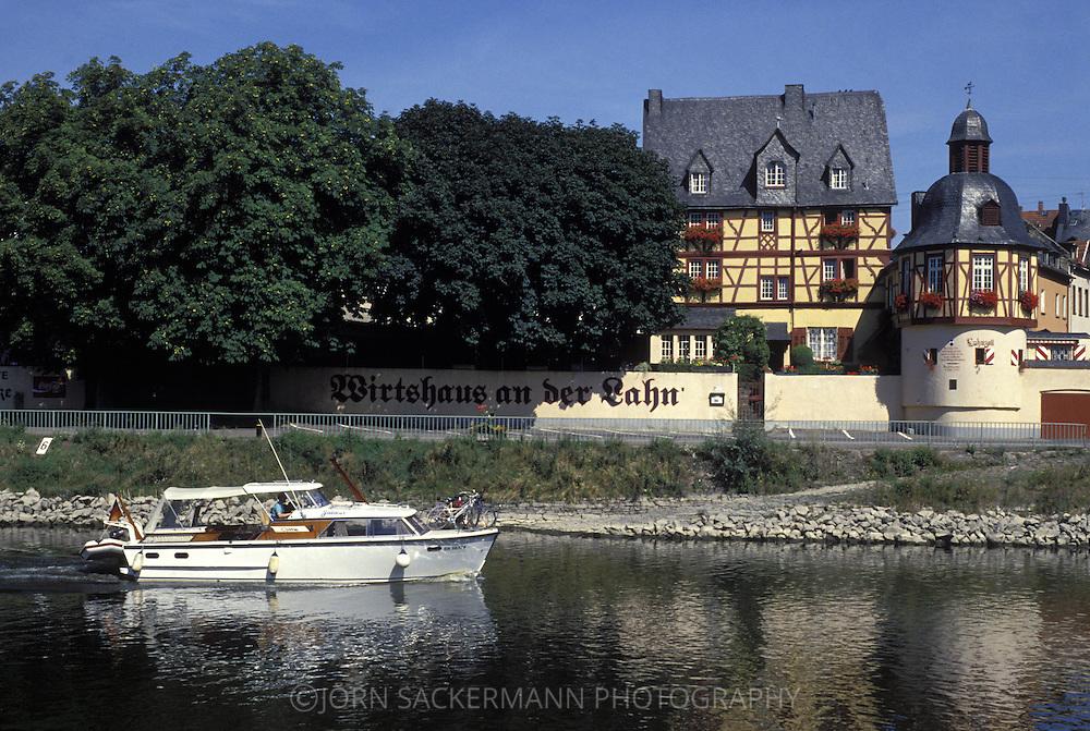 DEU, Germany, Rhineland-Palatinate, Lahnstein, the Inn/Das Wirtshaus at the river Lahn.....DEU, Deutschland, Rheinland-Pfalz, Lahnstein, das Wirtshaus an der Lahn...