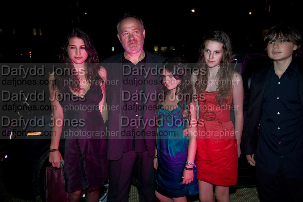 NELL; VINCE POWER; EVIE; CONNIE; NIAL. End Of Summer Ball In Berkeley Square. In aid of Prince;s Trust. Berkeley Square, London. 25 September 2008 *** Local Caption *** -DO NOT ARCHIVE-© Copyright Photograph by Dafydd Jones. 248 Clapham Rd. London SW9 0PZ. Tel 0207 820 0771. www.dafjones.com.