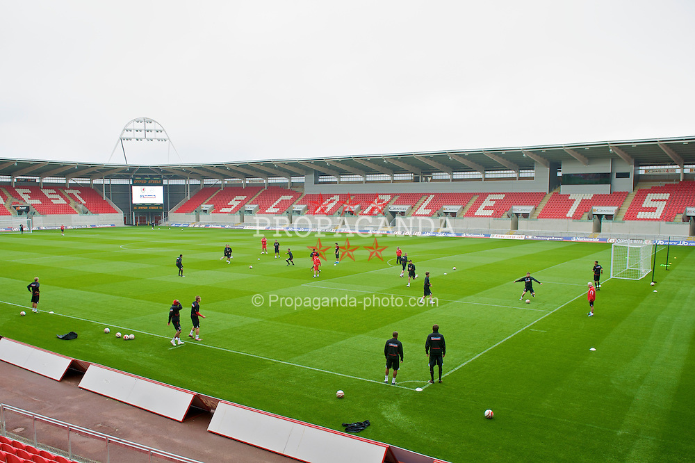 LLANELLI, WALES - Wednesday, May 27, 2009: Wales players training at Parc Y Scarlets ahead of the International friendly match against Estonia. (Pic by David Rawcliffe/Propaganda)