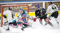 21.02.2018, Tiroler Wasserkraft Arena, Innsbruck, AUT, EBEL, HC TWK Innsbruck die Haie vs EHC Liwest Black Wings Linz, Pick Round, 5. Plazierungsrunde, im Bild v.l.: Marc-Andre Dorion (EHC Liwest Black Wings Linz), Michael Ouzas (EHC Liwest Black Wings Linz), Hunter Bishop (HC TWK Innsbruck  die Haie) und Sebastien Piche (EHC Liwest Black Wings Linz) // during the Erste Bank Erste Bank Icehockey 5th placement round match between HC TWK Innsbruck  die Haie and EHC Liwest Black Wings Linz at the Tiroler Wasserkraft Arena in Innsbruck, Austria on 2018/02/21. EXPA Pictures © 2018, PhotoCredit: EXPA/ Jakob Gruber