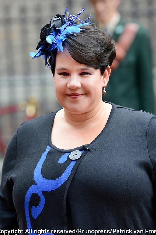 Prinsjesdag 2013 - Aankomst Parlementari&euml;rs bij de Ridderzaal op het Binnenhof.<br /> <br /> Op de foto: Sharon Dijksma - Staatssecretaris van Economische Zaken