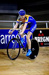 29-12-2006 WIELRENNEN: NK BAANRENNEN 2006: ALKMAAR<br /> Anouk Ligthart - Nederlands Kampioen Junioren<br /> ©2006-WWW.FOTOHOOGENDOORN.NL