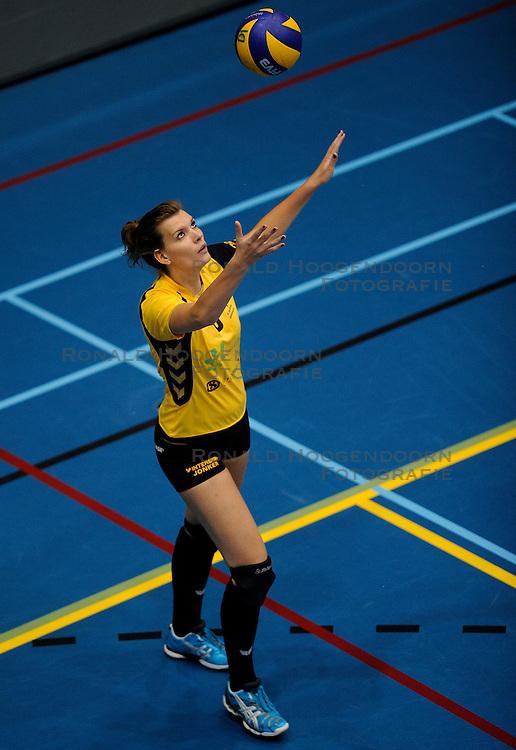 13-10-2012 VOLLEYBAL: VC DYNAMO - EUROSPED: APELDOORN<br /> Eurosped pakt de eerste winst in de nieuwe competitie door Aynamo met 3-1 te verslaan / Joyce Wassen<br /> &copy;2012-FotoHoogendoorn.nl