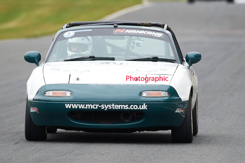 #40 Ben HANCY Mazda MX5 Mk1 1600 during Max 5 Championship as part of the BARC NW - Championship Raceday  at Oulton Park, Little Budworth, Cheshire, United Kingdom. March 19 2016. World Copyright Peter Taylor/PSP. Copy of publication required for printed pictures.  Every used picture is fee-liable. http://archive.petertaylor-photographic.co.uk